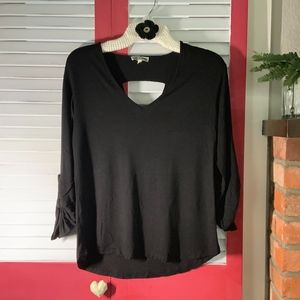 Pleione Black Top